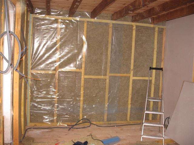 Wandlampjes Slaapkamer : Langs de buitenmuren wordt er vervolgens een ...